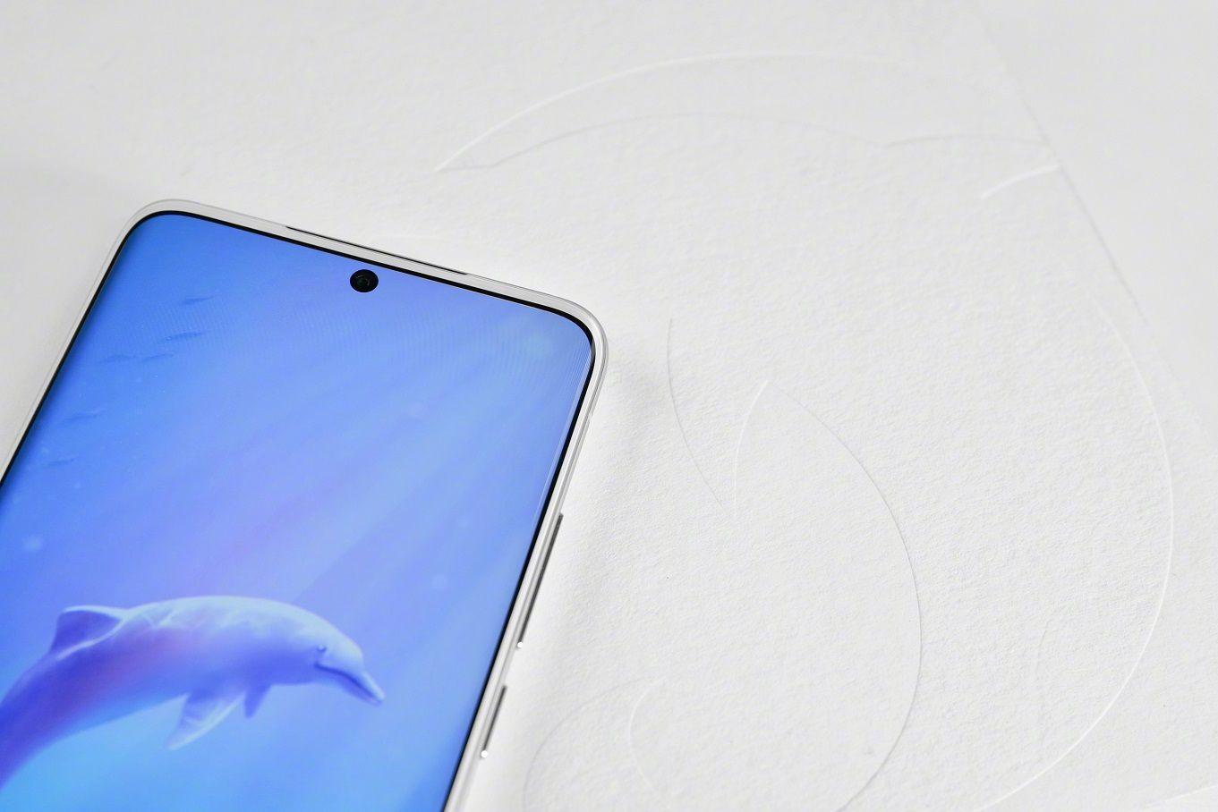 Meizu 18 中華白海豚珍稀版を誤って破損させた場合、白ベゼルから黒ベゼルへ交換